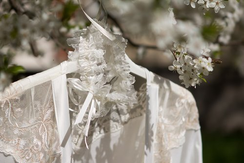 Jartiera in copac - obiceiuri nunta